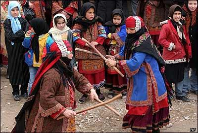 رقص چوب زنان درگزی در عروسی